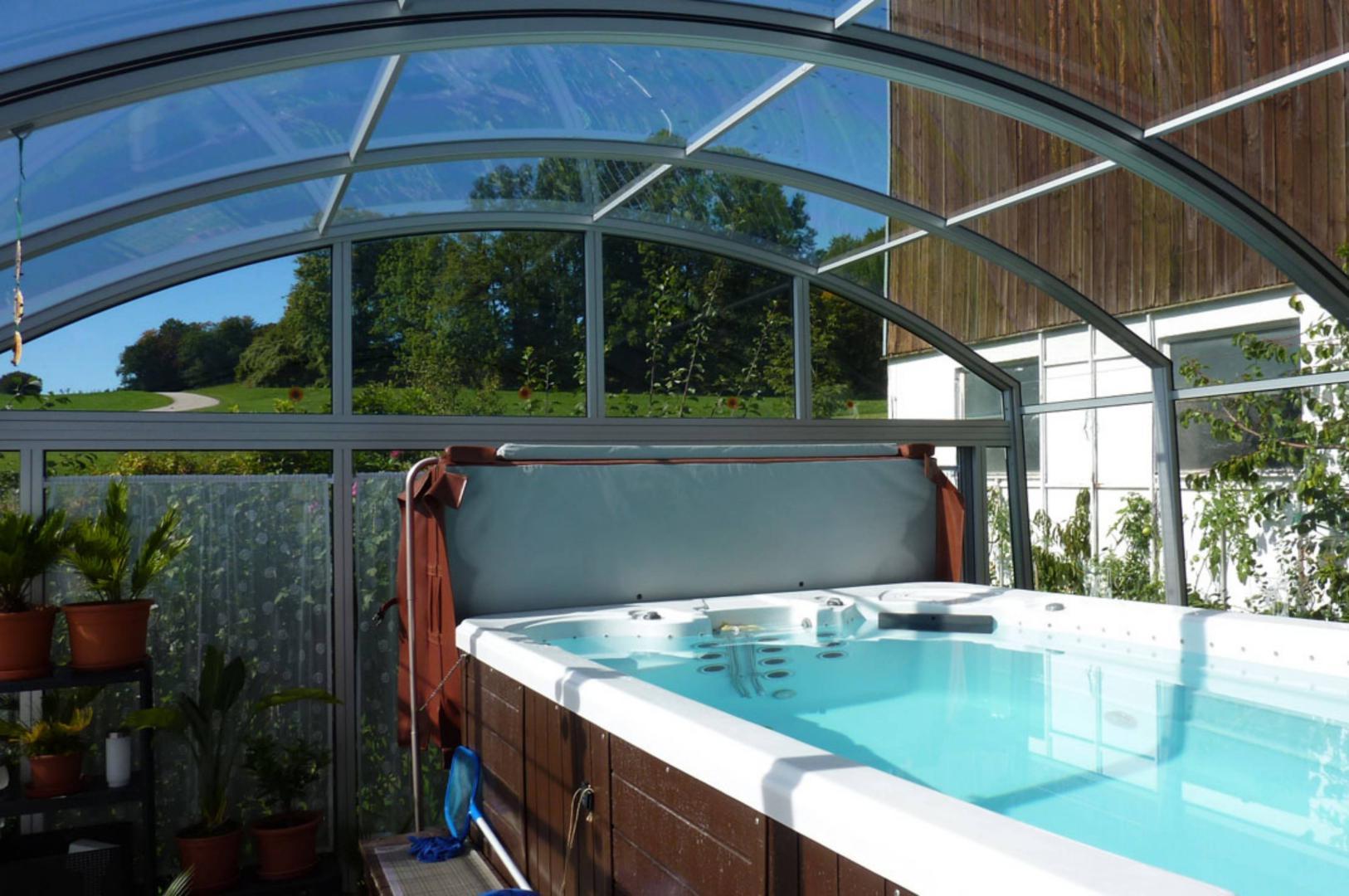 abri de spa de nage toutes les solutions mobiles pour. Black Bedroom Furniture Sets. Home Design Ideas